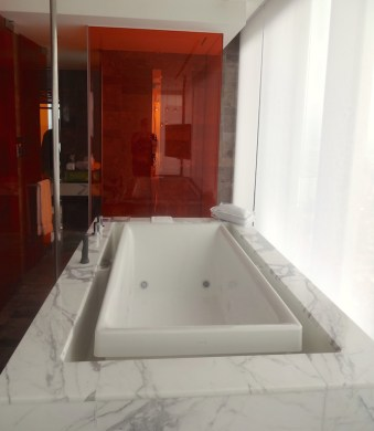 angela-carson-asia-luxury-travel-blog-w-hotel-taipei-wow-suite-11
