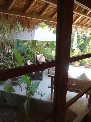 angela-asia-bali-luxury-travel-blog-best-bali-honeymoon-package-villa-mathis-romantic-seminyak-44