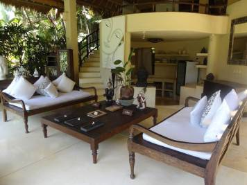 angela-asia-bali-luxury-travel-blog-best-bali-honeymoon-package-villa-mathis-romantic-seminyak-60