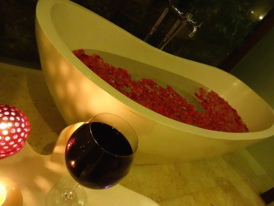 angela-asia-bali-luxury-travel-blog-best-bali-seminyak-lata-liana-villa-close-to-beach-28