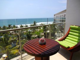 angelas-asia-luxury-travel-blog-best-w-hotel-resort-seminyak-bali-ocean-beach-front-5-star-11