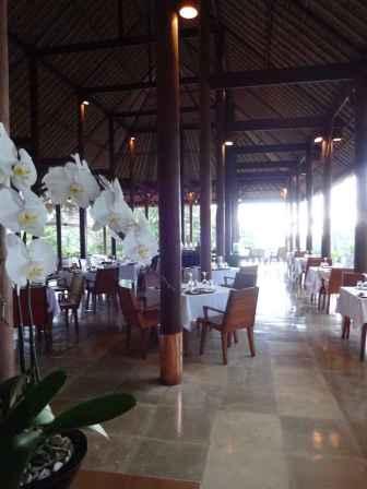 best-5-star-hotel-villa-ubud-alila-bali-luxury-bucket-list-blog-angela-carson-31