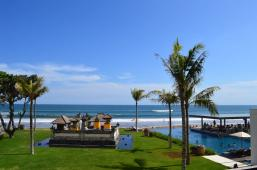 best-5-star-hotel-alila-seminyak-bali-beach-spa-holiday-angela-carson-luxury-bucket-list-1