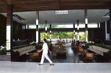 best-5-star-hotel-alila-seminyak-bali-beach-spa-holiday-angela-carson-luxury-bucket-list-2