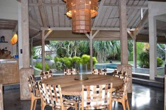 best-private-villa-groups-seminayk-luxury-3-bedroom-the-bali-agent-angela-carson-4