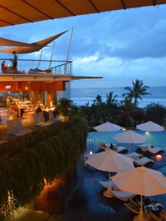 best-5-star-hotel-sheraton-kuta-beach-luxury-oceanfront-suites-video-review-31