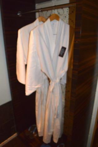 best-5-star-hotel-sheraton-kuta-beach-luxury-oceanfront-suites-video-review-40