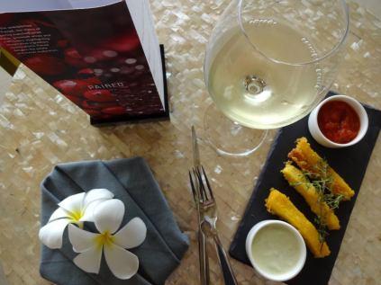 best-5-star-hotel-sheraton-kuta-beach-luxury-oceanfront-suites-video-review-68