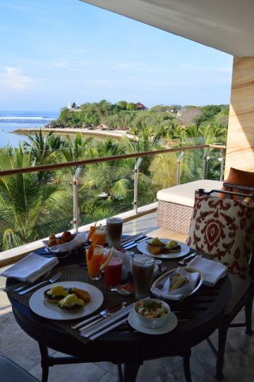 best-5-star-luxury-hotel-the-mulia-nusa-dua-suites-review-angela-carson-travel-blogger-64