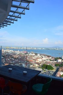 the-wembley-penang-best-4-star-boutique-hotel-club-lounge-rooftop-bar-sea-view-46