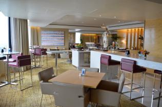 double-tree-hilton-kuala-lumpur-club-room-lounge-tosca-italian-restaurant-suite-tour-angela-carson-luxurybucketlist-29