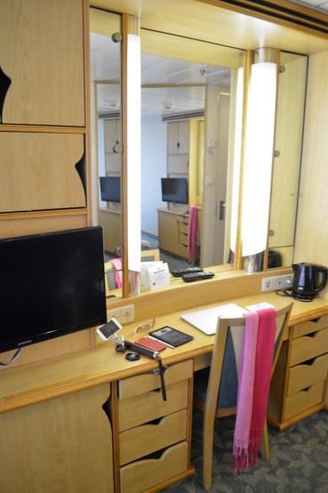 Mariner-of-the-seas-royal-caribbean-4-night-e2-balcony-cabin-stateroom-8210-ship-video-tour-singapore-phuket-luxury-bucket-list-23