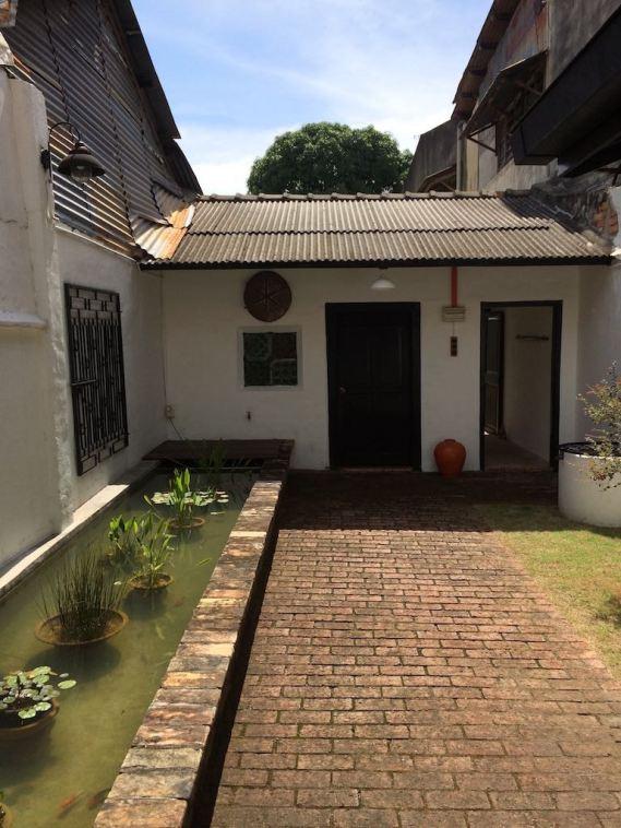 best-airbnb-3-bedroom-malacca-melaka-asia-luxury-travel-blogger-angela-carson-16