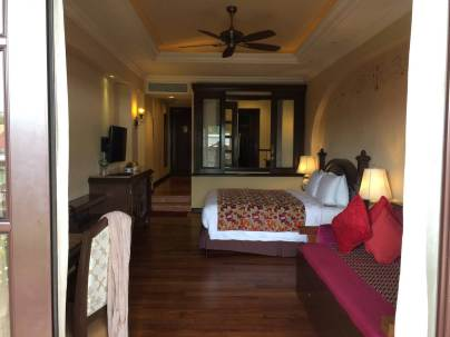 video-tour-casa-del-rio-malacca-best-5-star-luxury-hotel-melaka-angela-carson-malaysia-travel-blogger-15