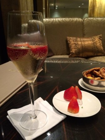 shangri-la-kuala-lumpur-best-5-star-hotel-klcc-expat-angela-malayisa-luxury-travel-youtuber-22