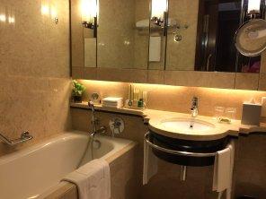 shangri-la-kuala-lumpur-best-5-star-hotel-klcc-expat-angela-malayisa-luxury-travel-youtuber-9