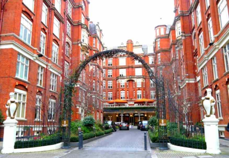 St Ermins Hotel courtyard