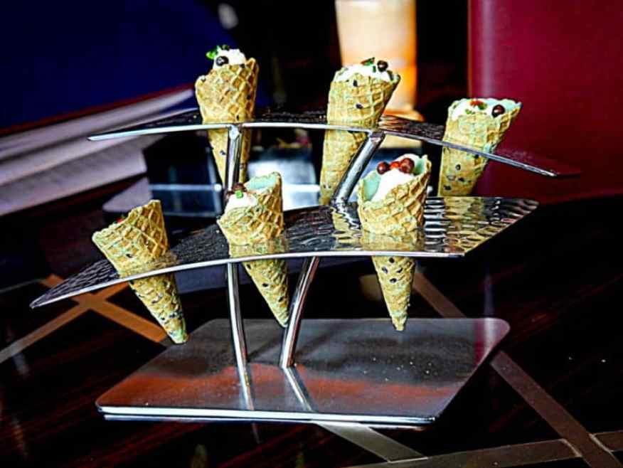 Polo bar snack