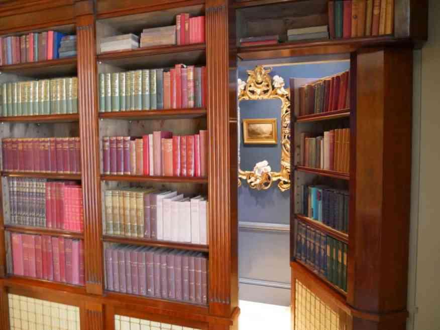 Earl of Bolingbroke room