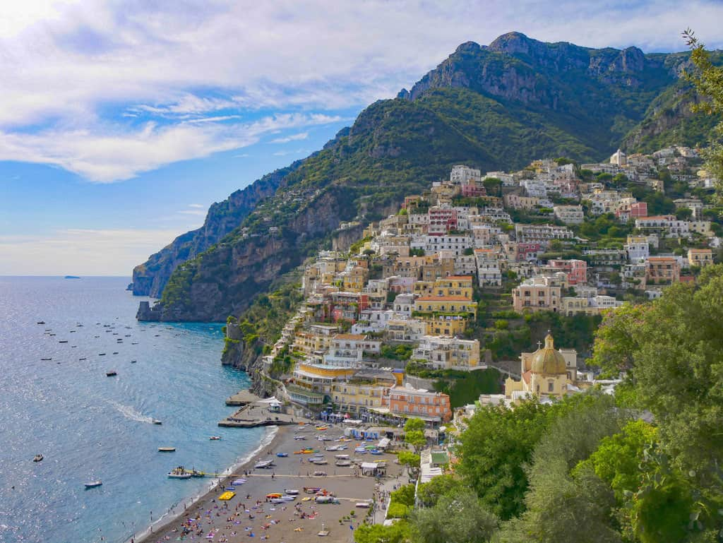 5 Unmissable Places to See on The Amalfi Coast