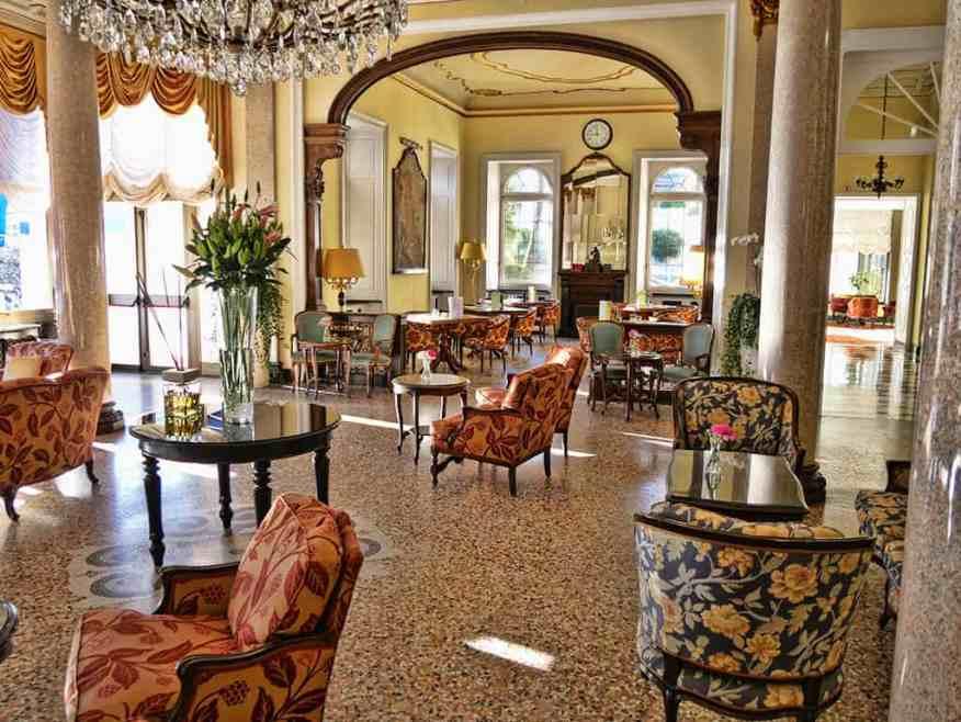 splendide-royal-lobby