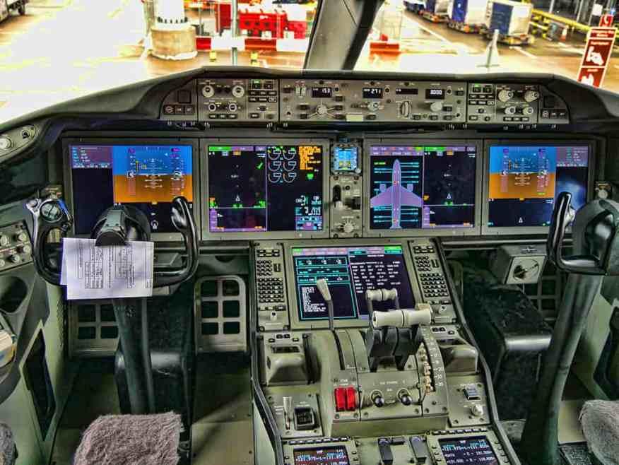 cockpit-heathrow