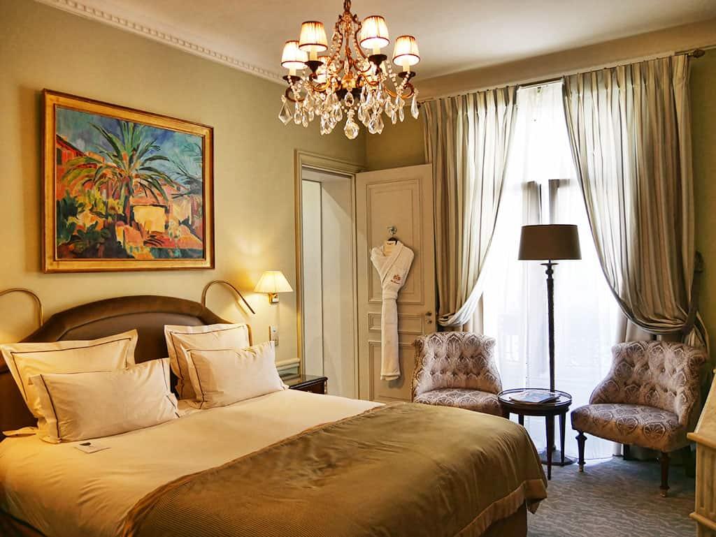 hotel-westminster-suite-bedroom
