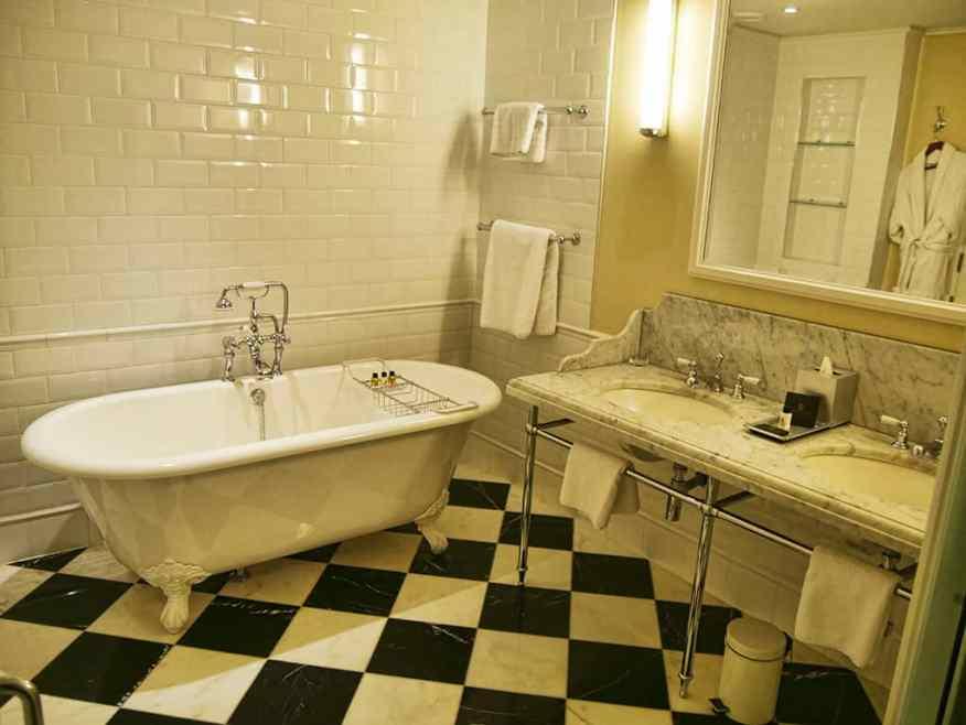 ellenborough_park_bathroom