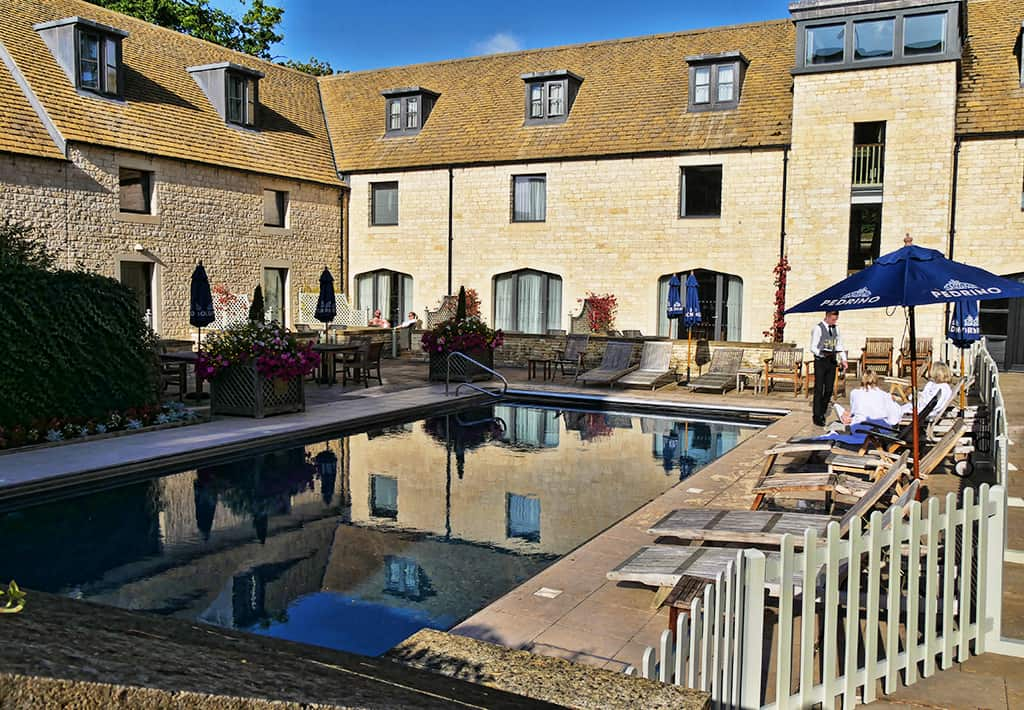 ellenborough_park_swimming_pool