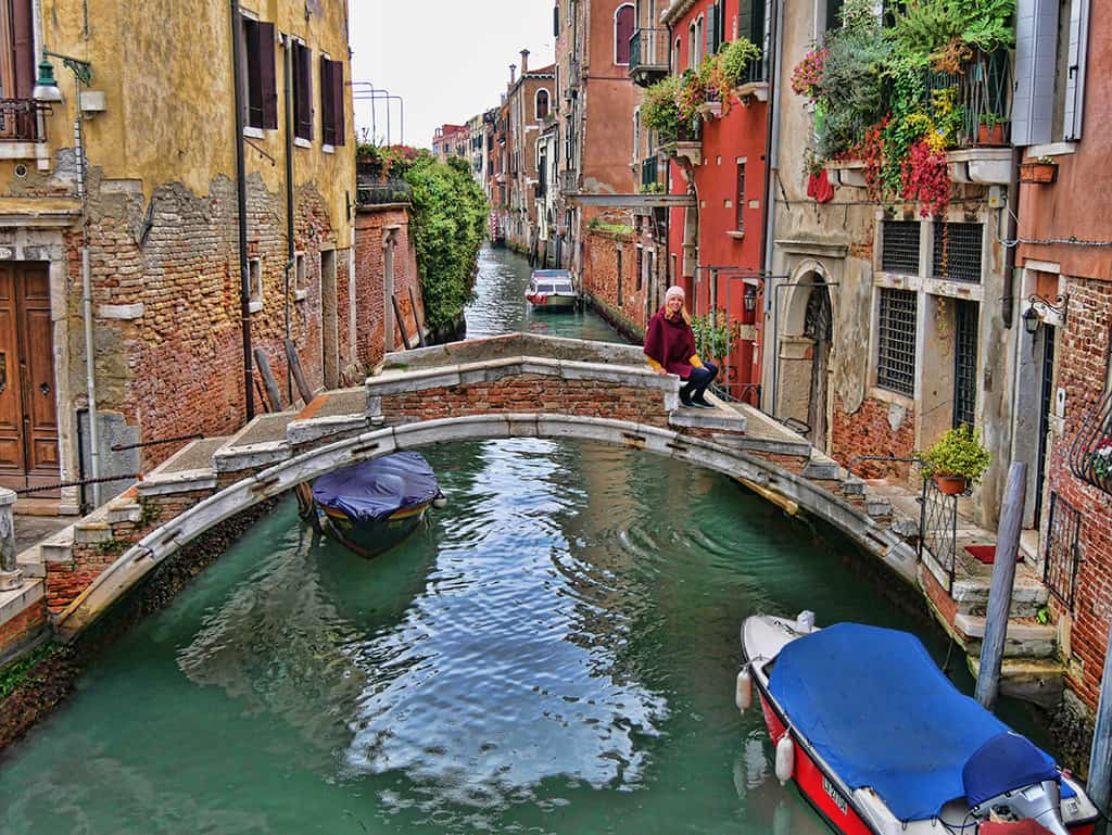 bridge_with_no_parapet_venice