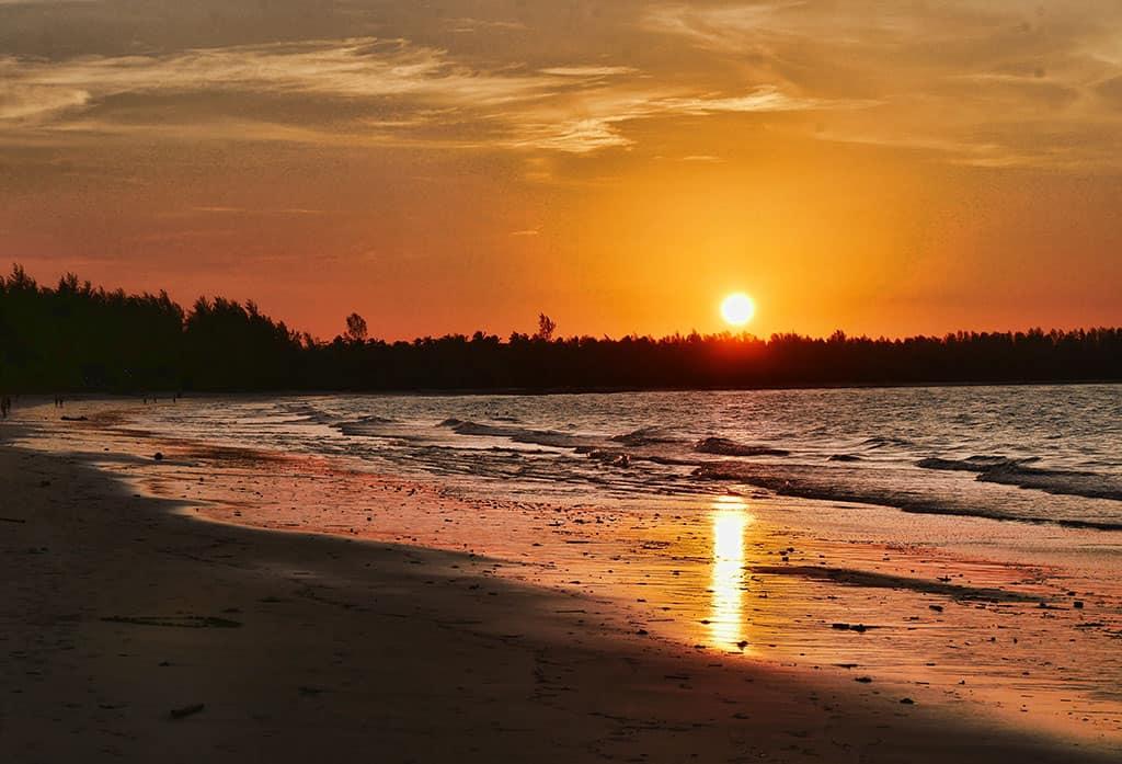 khao-lak-beach-sunset