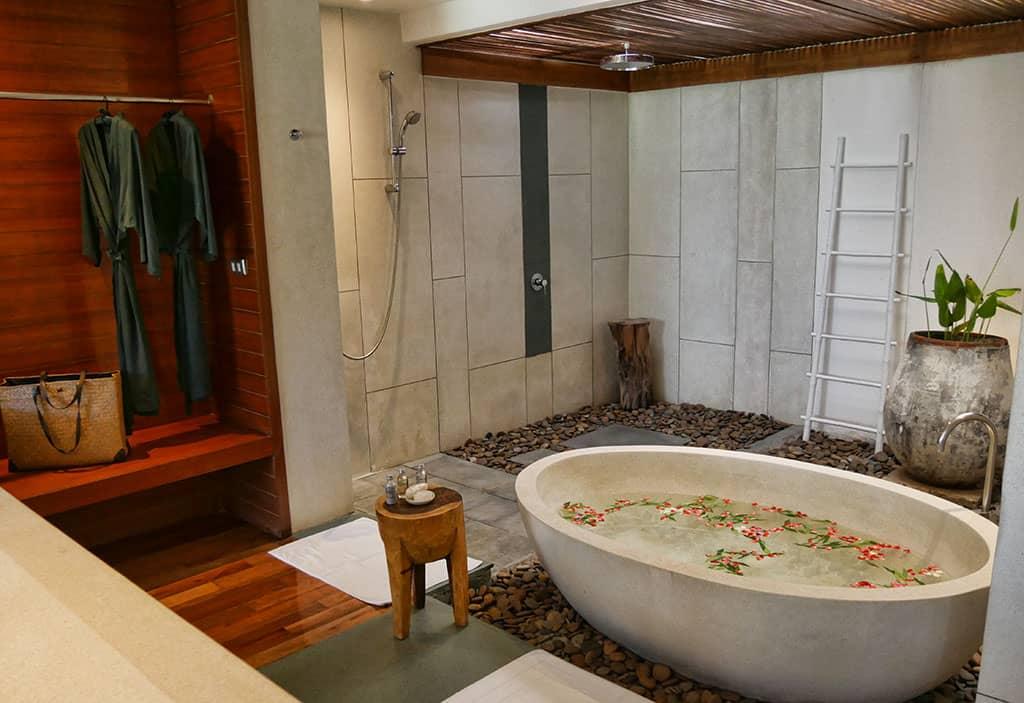 the-sarojin-bathroom