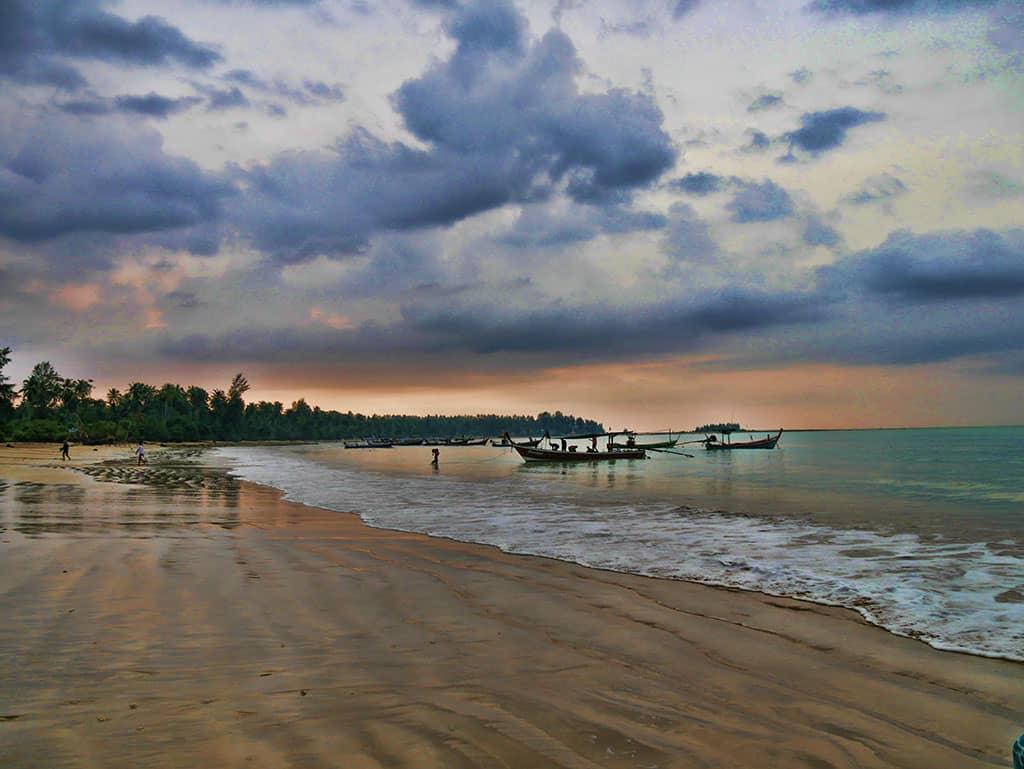 the-sarojin-beach