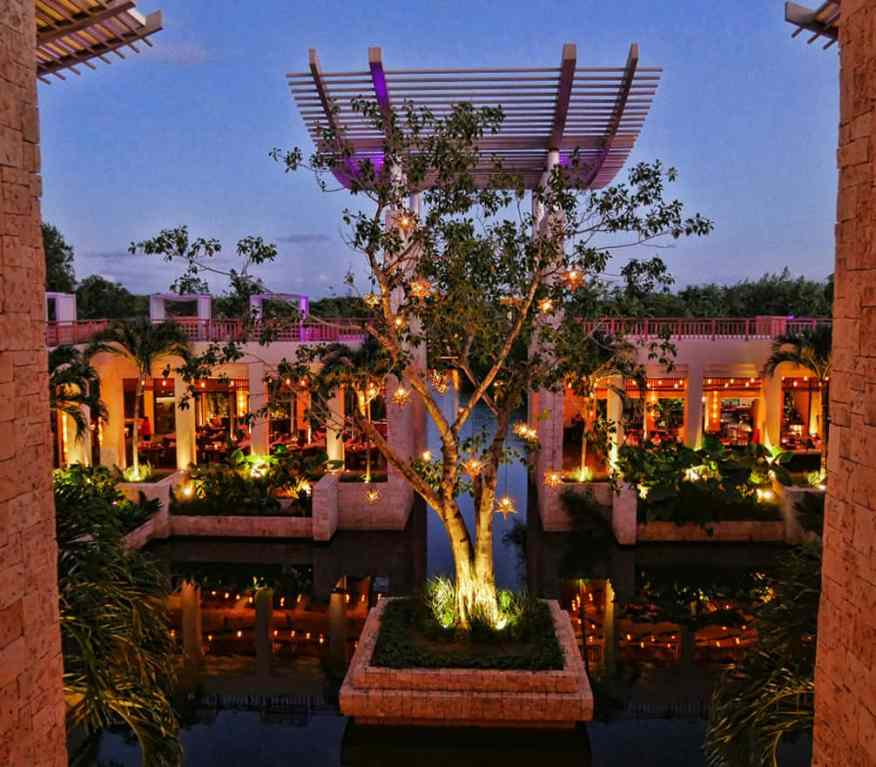 Banyan Tree Mayakoba night