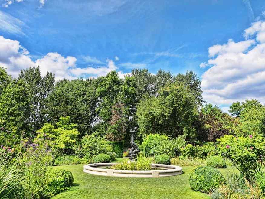 Regents Park secret garden