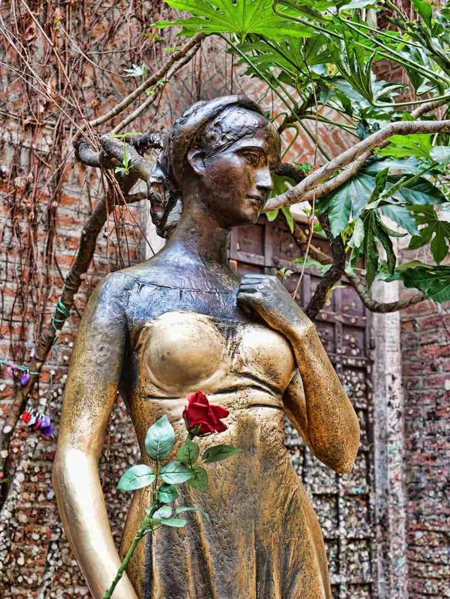 Juliet Verona statue