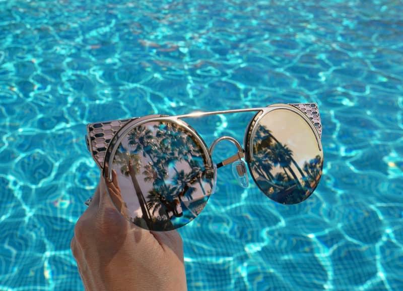 Pick sunglasses for your face shape - cat's eye frames for oval face shape
