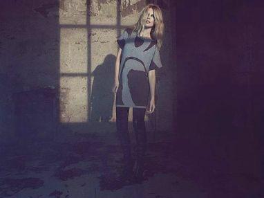 Claudia-Schiffer-Cashmere4