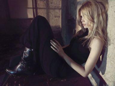 Claudia-Schiffer-Cashmere6