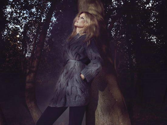 Claudia-Schiffer-Cashmere7