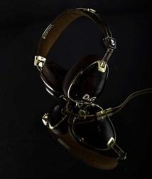 Dolce-Gabbana-SkullCandy-headphones-2