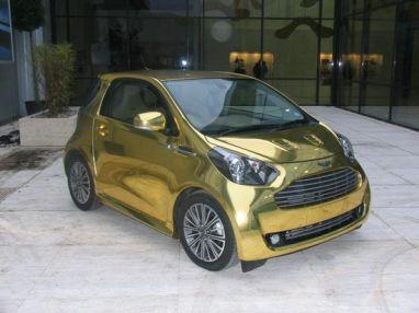 Aston_Martin_Cygnet_Gold_03