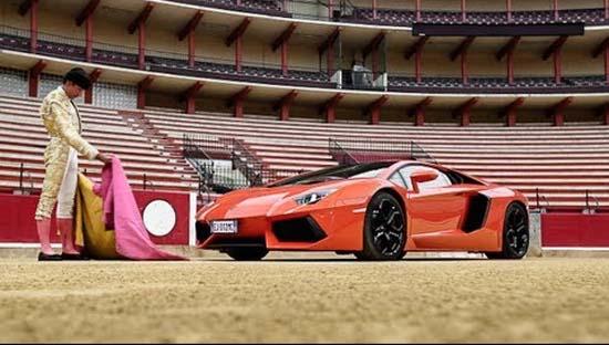 Lamborghini Aventador Returns to the Ring