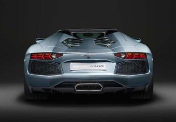 Lamborghini-Aventador-Roadster-03