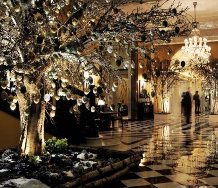Christmas-tree-mcqueens-2012-02