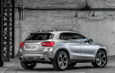 Mercedes-Benz-GLA-02