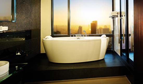 BT_Bangkok_RoomsSuites_BanyanTreeClubRoom_Bathroom