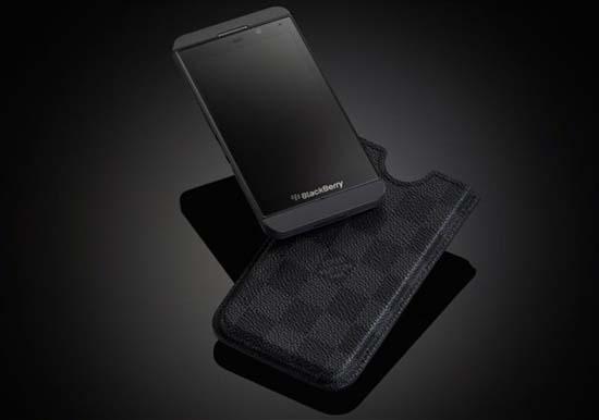 louis-vuitton-case-for-blackberry-z10-3