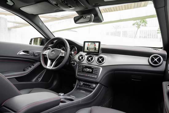 2015-Mercedes-Benz-GLA-4
