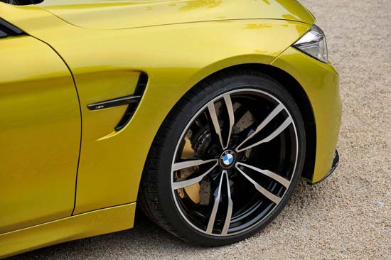 BMW-M4-Coupe-05